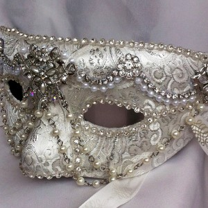 white_diamond_masquerade_mask_by_daragallery-d6tdlfj